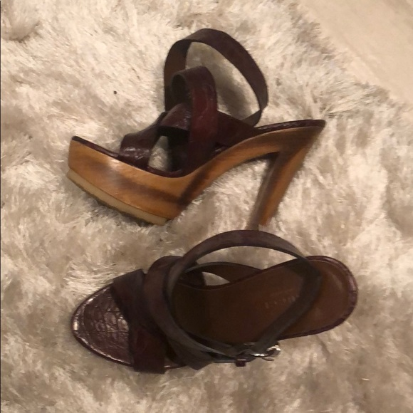 Gucci Shoes - Brown leather Gucci heels